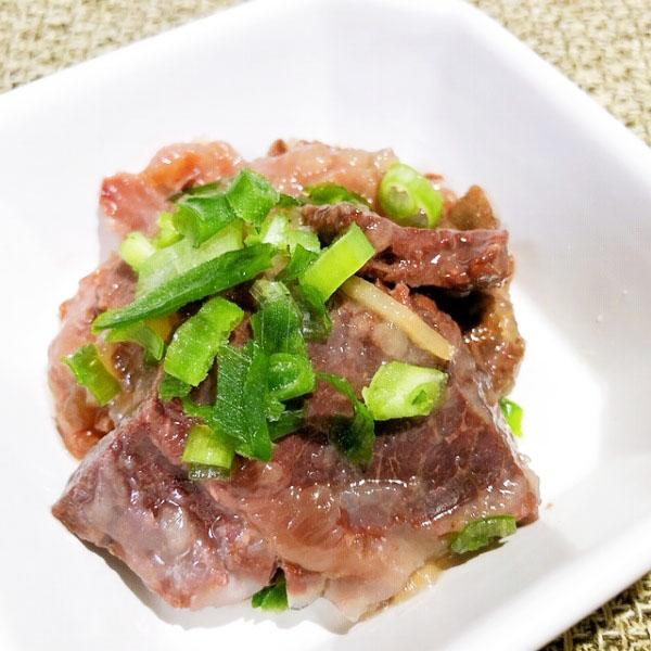 鯨肉の旨煮の缶詰 醤油味