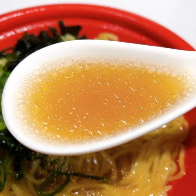 醤油のコクのあるスープ