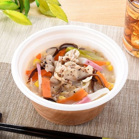 スープで1/2日分の野菜がおいしく摂れちゃう!お手軽にヘルシー ファミマ「1/2日分の野菜が摂れるちゃんぽん風スープ」