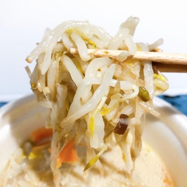 ちゃんぽん「風」スープで麺の代わりにもやしがたっぷり
