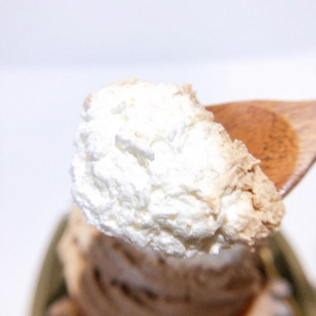 中のホイップクリームはふわふわ