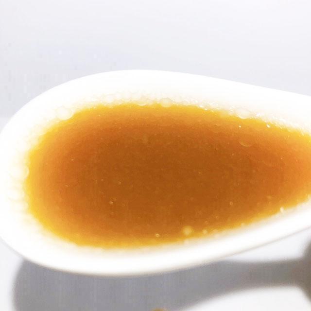 スープは豚骨ベースでとっても濃厚