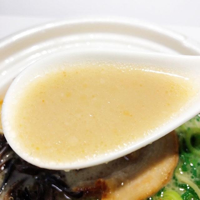 完成度の高い豚骨スープ
