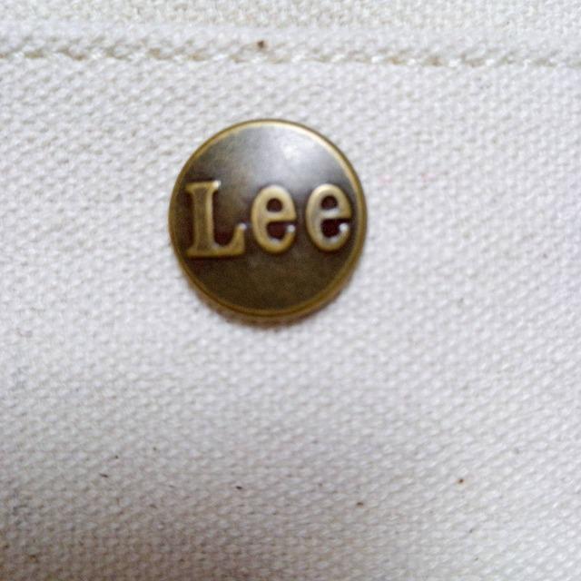 Leeの刻印がとってもおしゃれ
