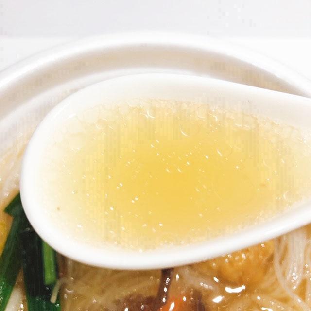 トロミのある生姜入り魚貝スープも絶品