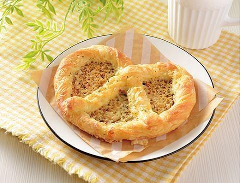 マチノパン チーズプレッツェルデニッシュ
