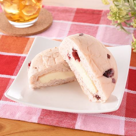 クランベリー&チーズクリームパン