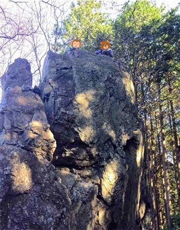 岩茸石の上に乗ったところ