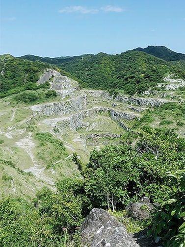 山頂から見える房総のグランドキャニオン
