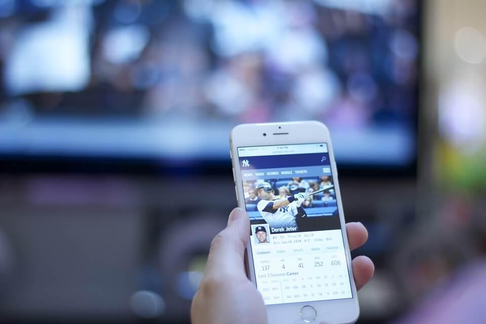 AmazonプライムなどiPhoneの動画をTV、テレビに映す方法