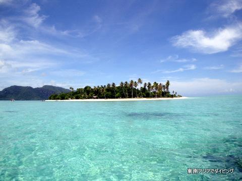 セベレス海に浮かぶ綺麗な島