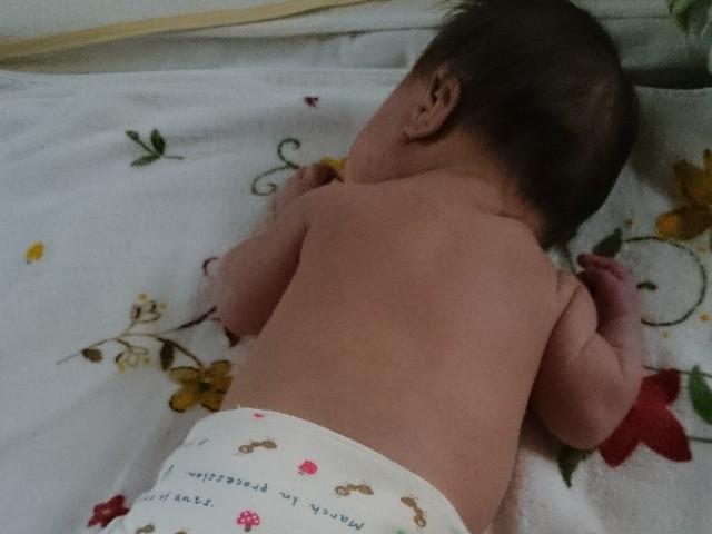 赤ちゃん ベビーマッサージ