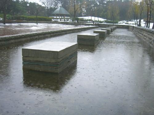 水と土の芸術祭 2009-ハンチクのベンチ(西大畑公園)02