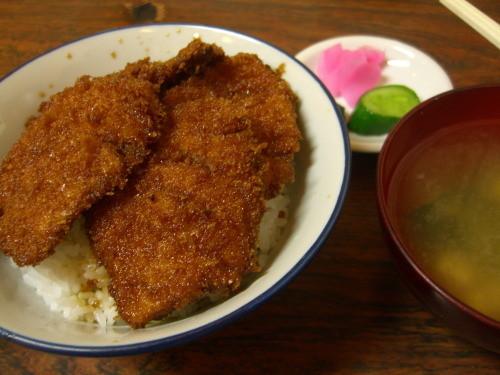 箱岩(新潟市秋葉区)のかつ丼