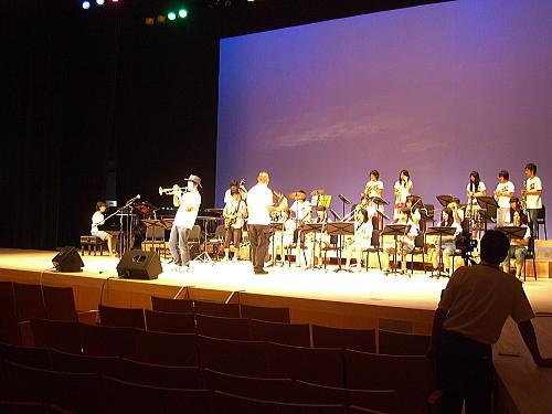敬和学園高等学校 Jazz Hornets@北区ジャズ祭り2011(8/28)03