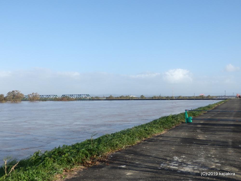 台風19号による増水時、大河津分水の様子(燕市~長岡市)
