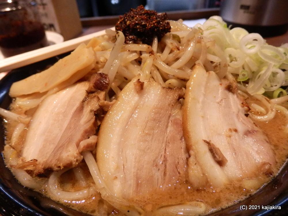 肉中華そば赤シャモジ(新発田市)の味噌ラーメン