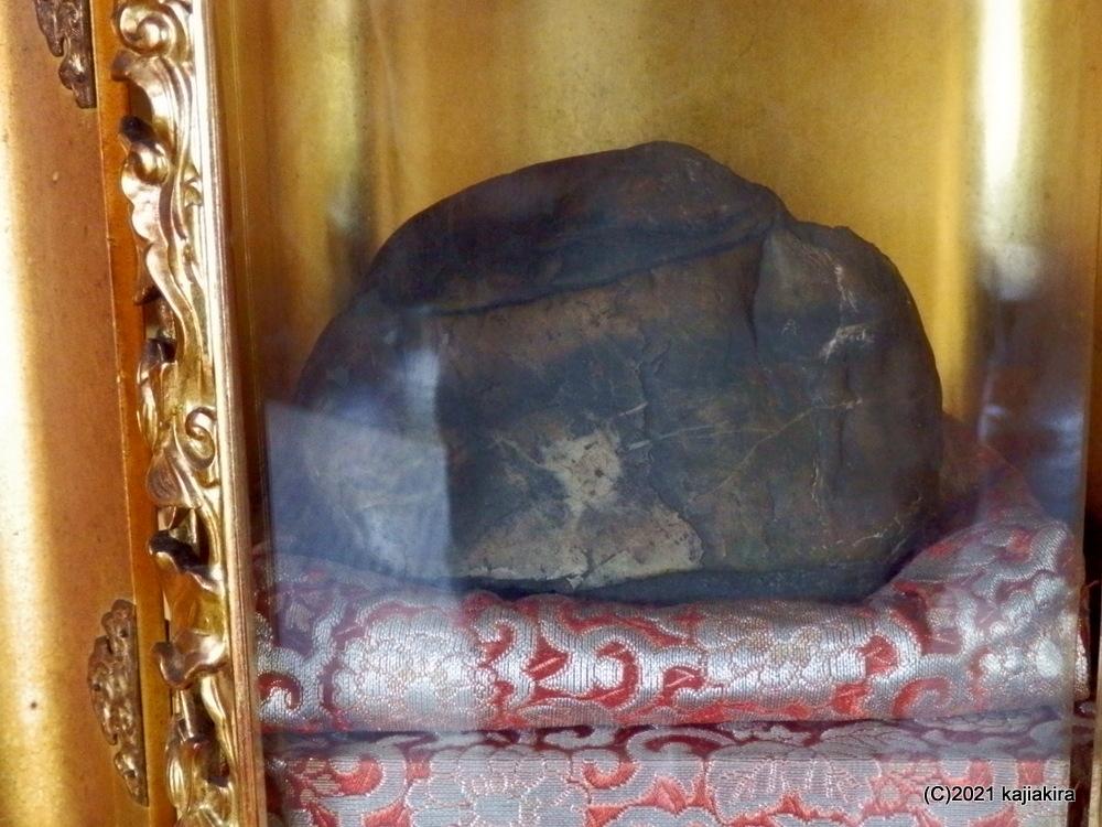 発見から50年。奇石「童女石」の笑顔が増していた「越後胎内観音(胎内市下赤谷)」