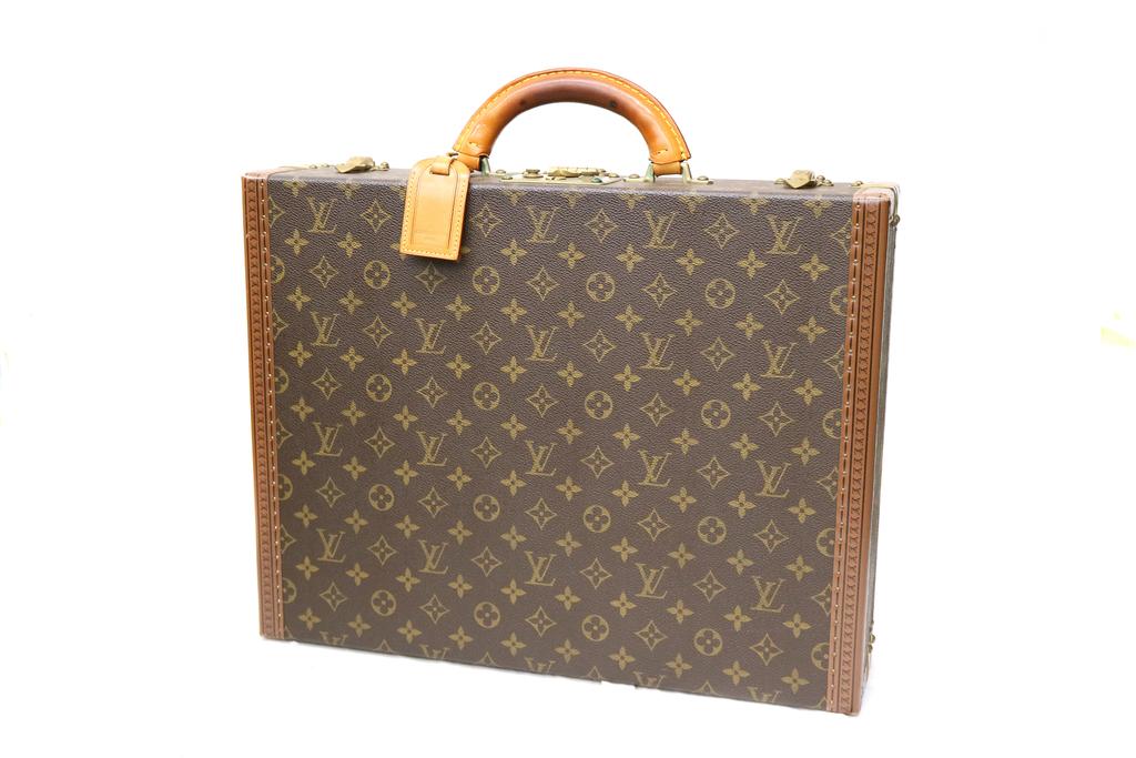 ヴィトンのプレジデントバッグ