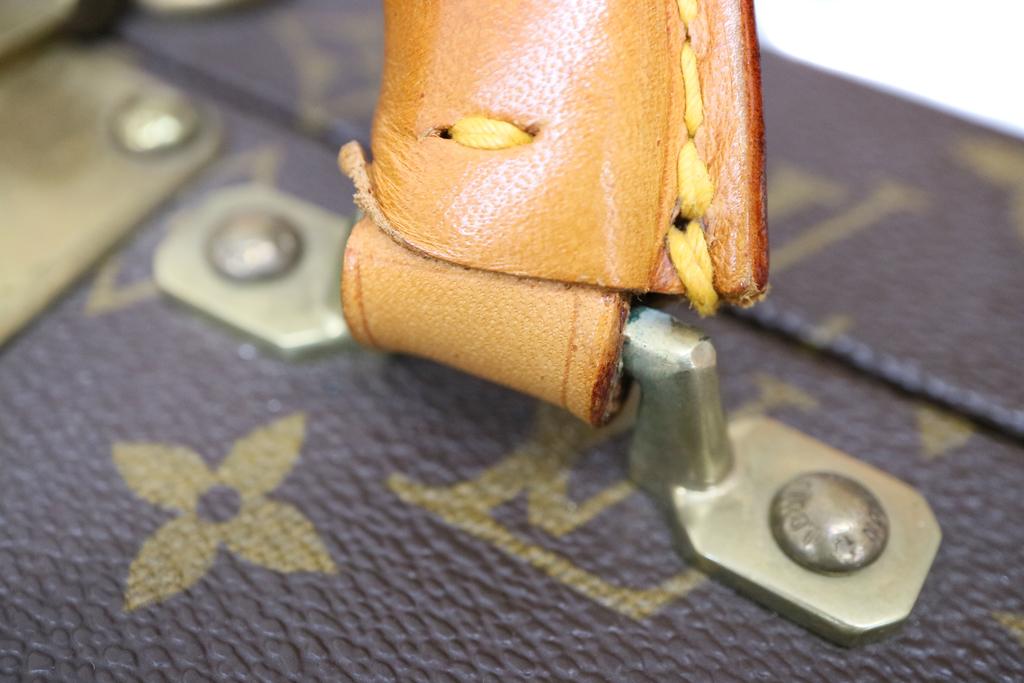 ヴィトンのプレジデントバッグ持ち手の付け根