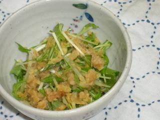 水菜と揚げ玉の天つゆ和え