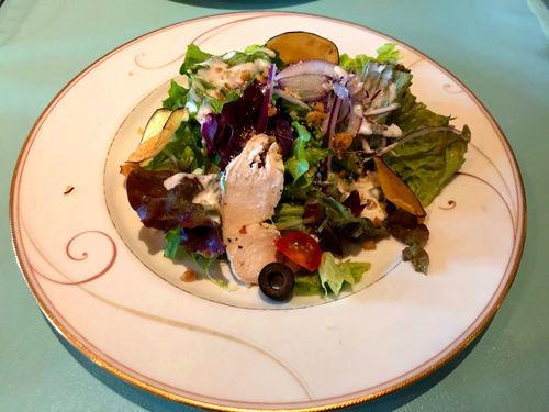 前菜(サラダチキンとナッツのサラダ)