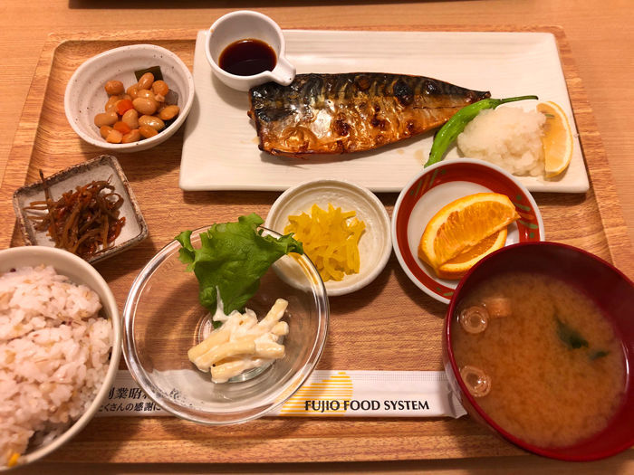鯖の一夜干し定食(税抜 1,080円)