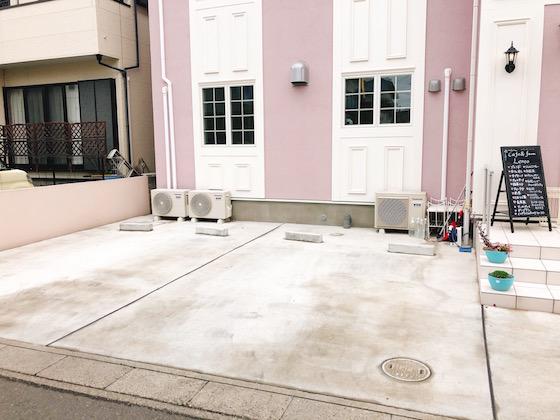自動車2台分の駐車スペース完備