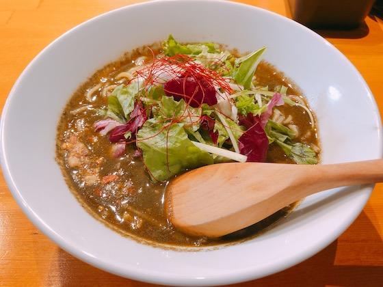 黒胡麻担々麺(860円)