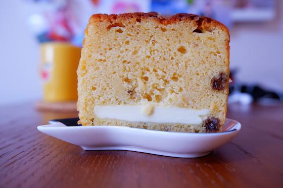 ラムレーズンとクリームチーズのパウンドケーキ(400円)