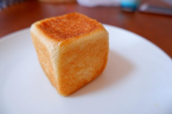 クリームパン(¥140)
