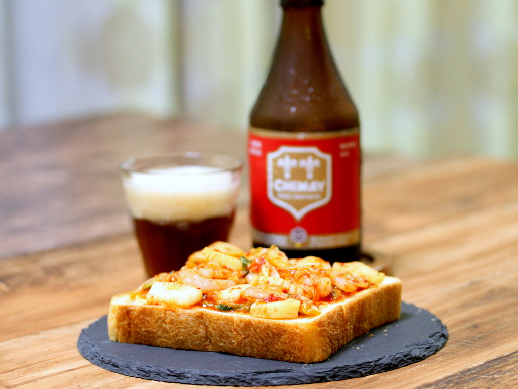 【嫁さん評価★1】でも傑作!ビールと相性が良すぎる「夏のキムチトースト」