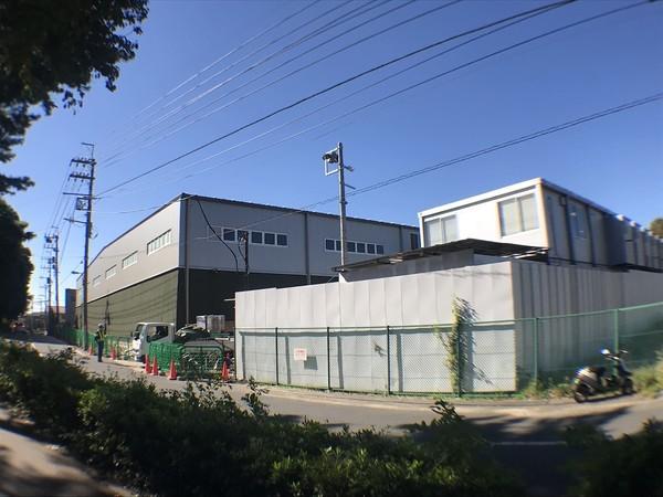 ゴミ処理場に建設中のクリーンセンター