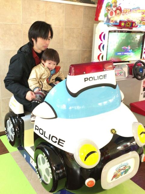 151230大垣タマコシでおとーさんとパトカー
