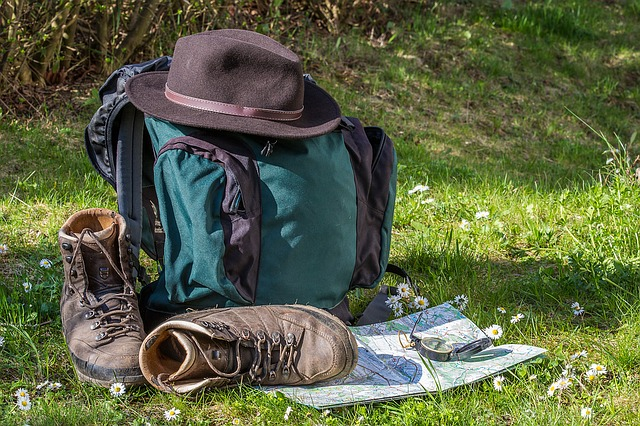 地図 帽子 リュック 靴