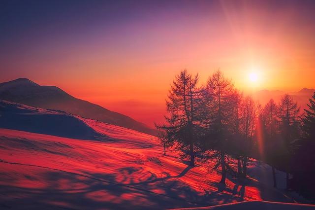 イタリア 山 夕日