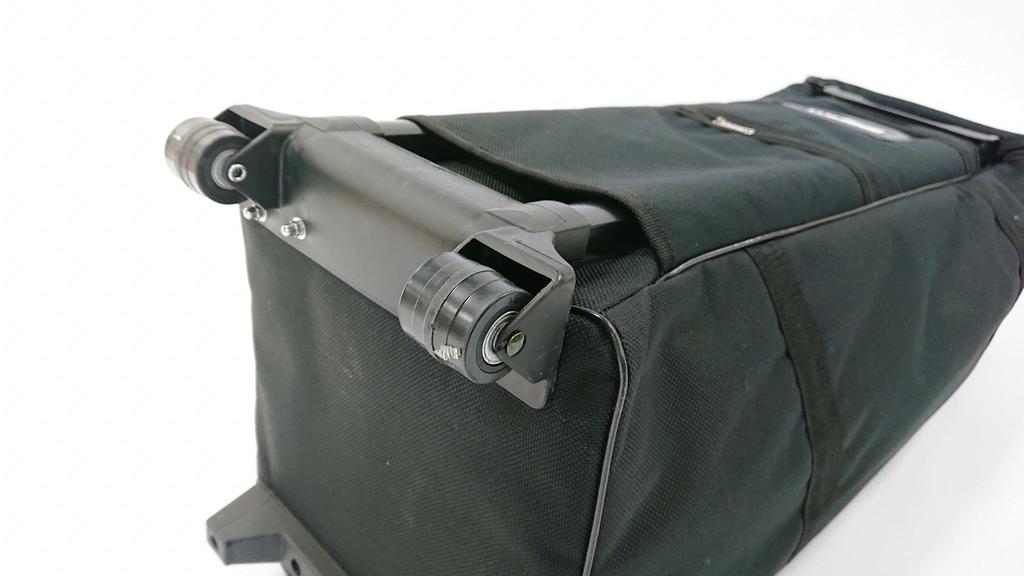 イージーシステムパネルのキャリーバッグのキャスター部分