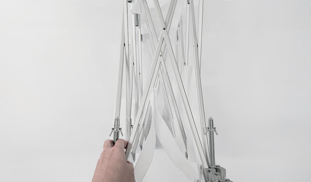 イージーシステムパネルの骨組みを広げる