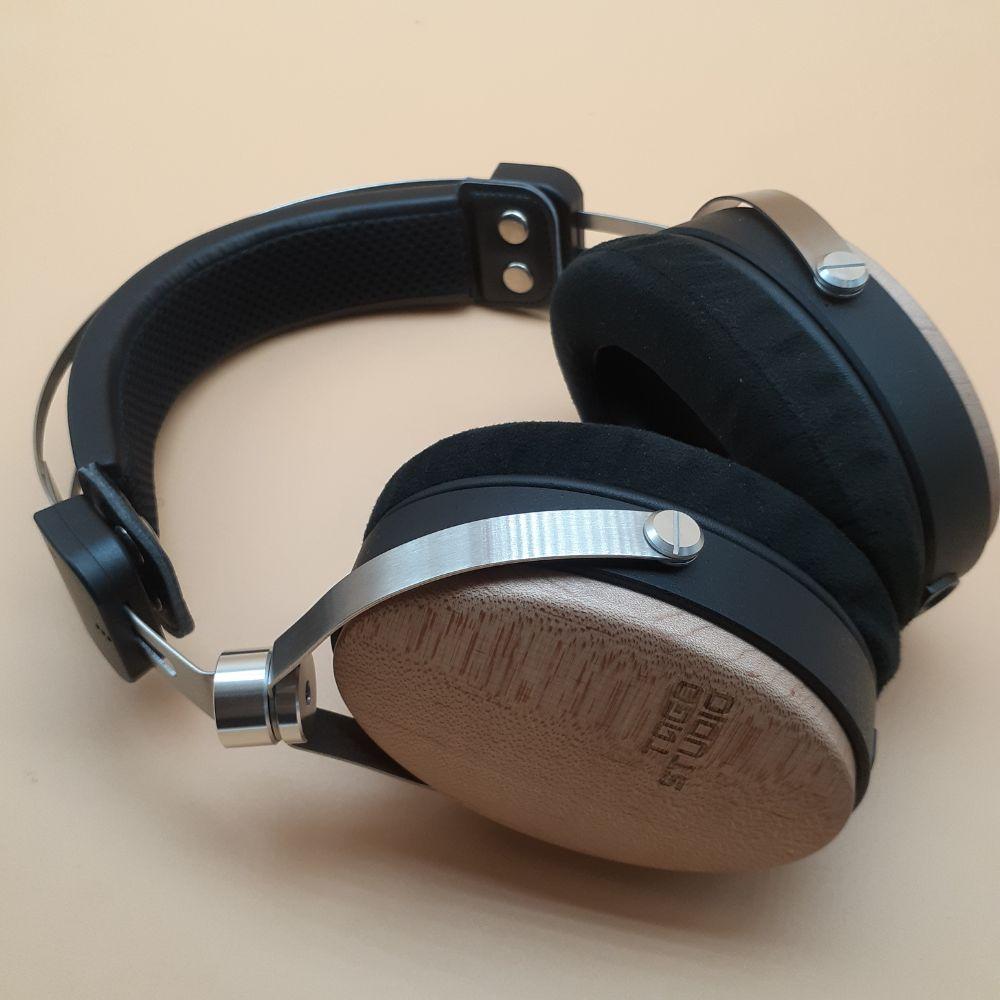 【モニターヘッドホン TAGO STUDIO T3-01 アウトラインレビュー】ボーカル中心にステージングの良い中域を聴かせるスタジオモニターヘッドホン