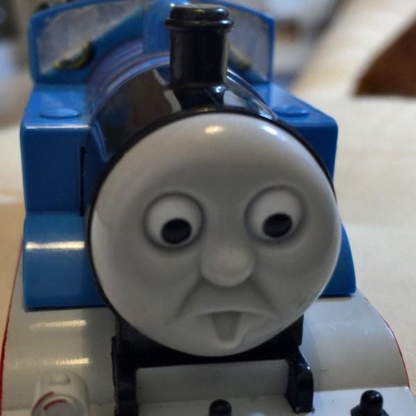 眉毛の取れたトーマス