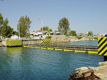 ギリシャのイスミア橋