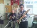 熱唱してくれた松本永二郎さん(左)、辻本佳史さん(右)息がぴったり