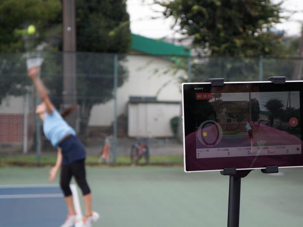 スマートテニスセンサーを活用しながら「スペインドリル」に挑戦して実戦で活かせるショットを身に付けましょう