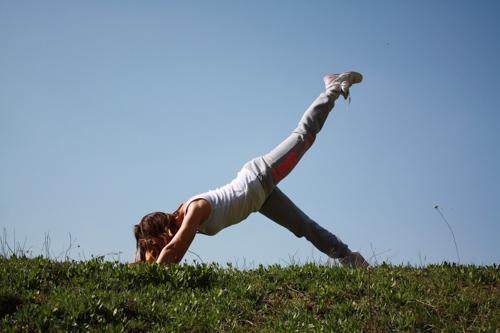 体幹を刺激しながら走りやすい状態にしてくれるピラティスはランニング前にも