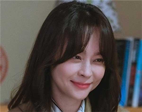 韓国ドラマ【ある日、私の家の玄関に滅亡が入ってきた】カン・スジャ