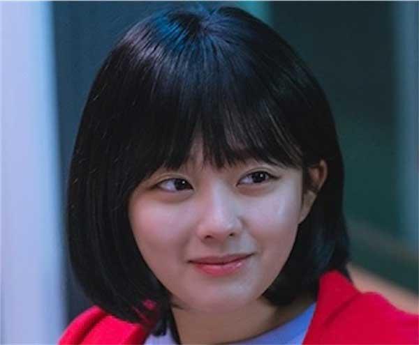 韓国ドラマ【ある日、私の家の玄関に滅亡が入ってきた】少女神