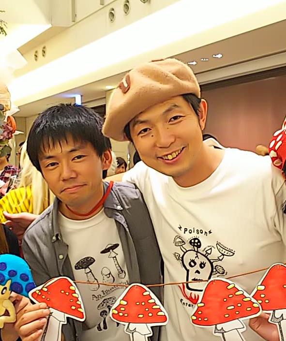 ヨコハマきのこ大祭2020にて(左:露木、右:高橋さん)