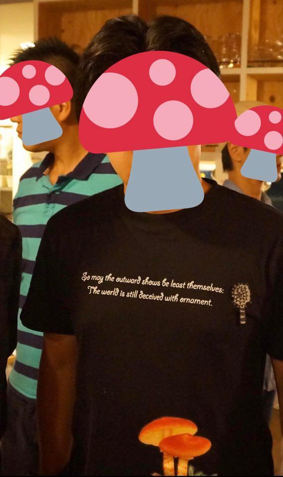 タマゴタケTシャツ