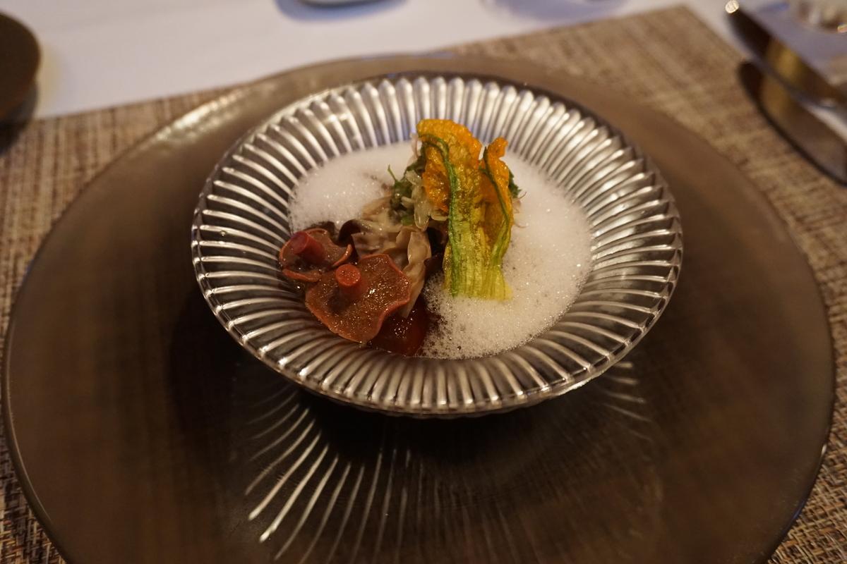 夏野菜とヤナギマツタケ・キクラゲの煮込み