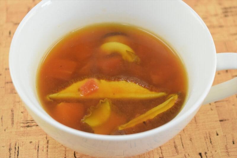 アカヤマドリのトマトスープ